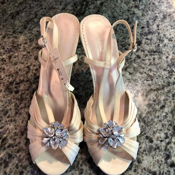 Beautiful wedding / formal shoes 7.5
